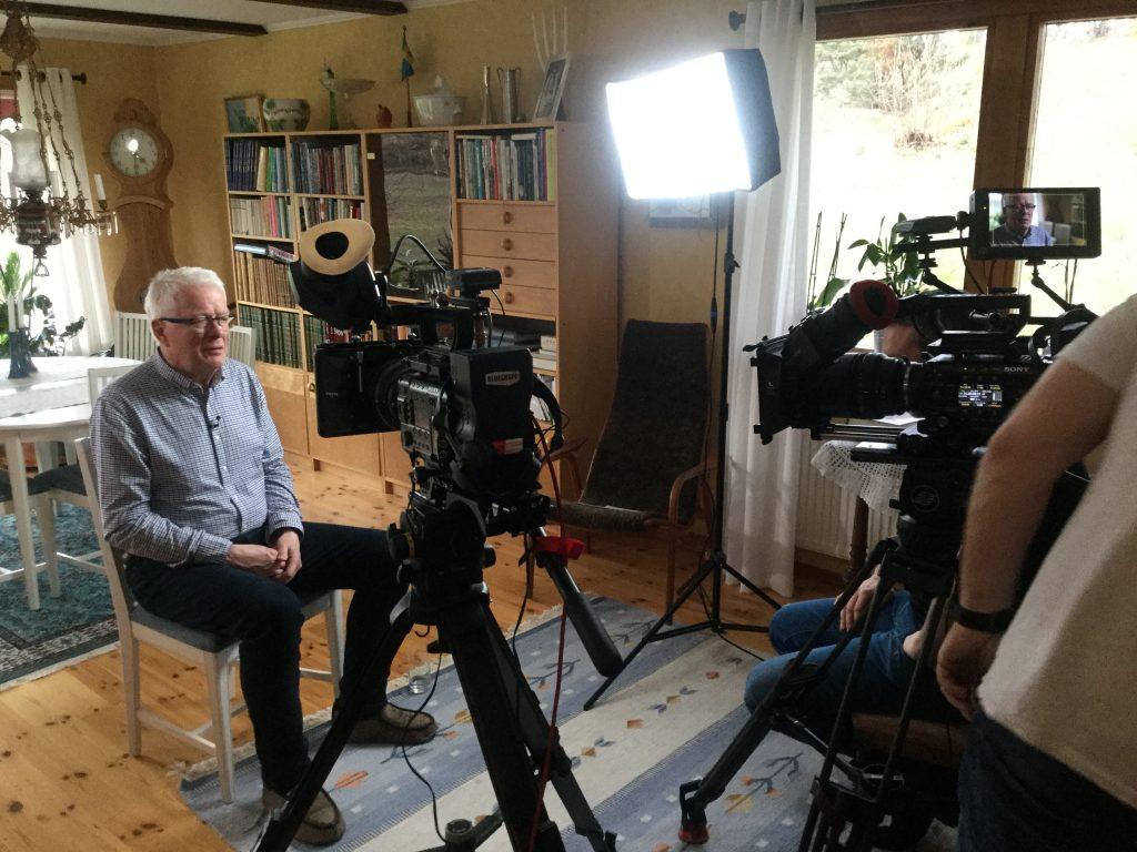 Ingemar intervjuas av SVT om militärligans trippelrån i Ullared